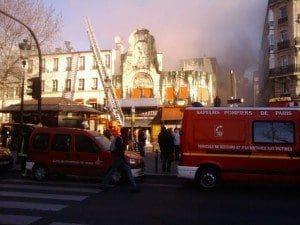 Il y a le feu à l'Elysée Montmartre ce matin...